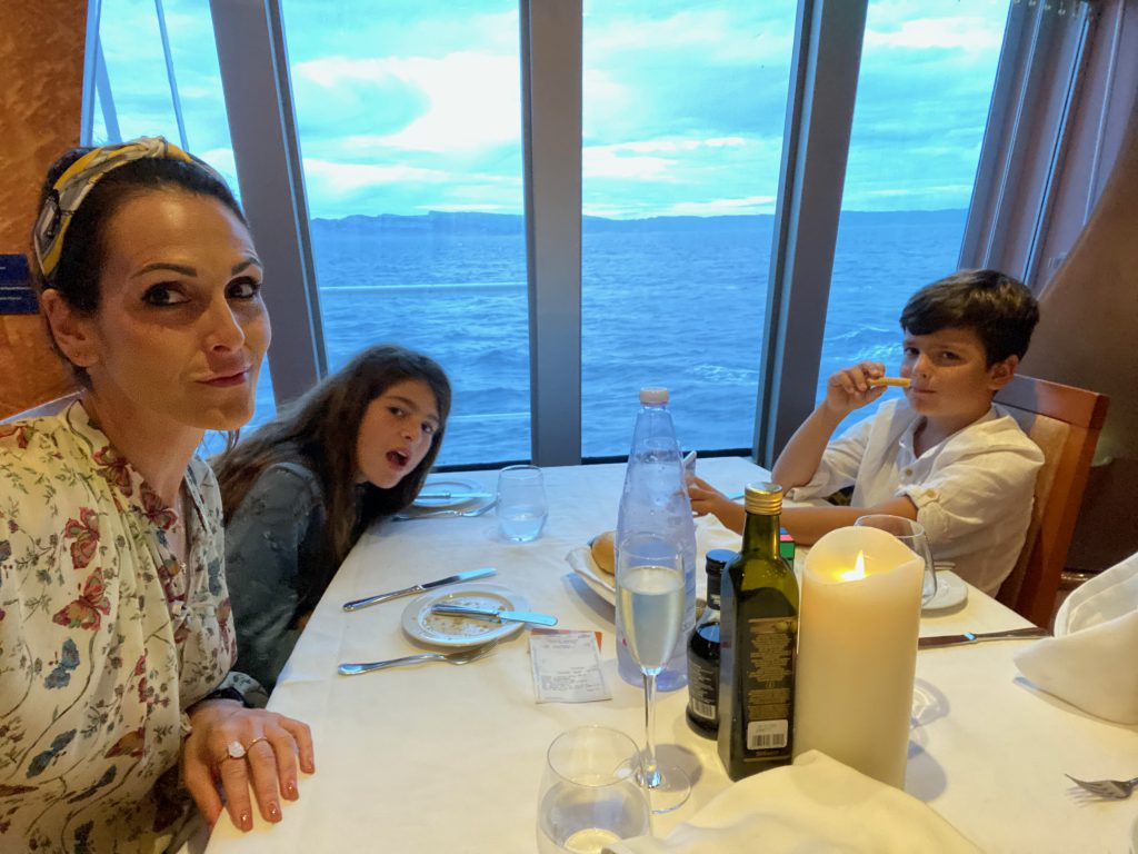 costa-crociere-dinner-elinoe11